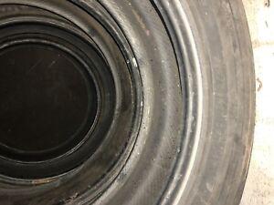 215/60/17  pneus d'hiver bon pour deux ans yokohama