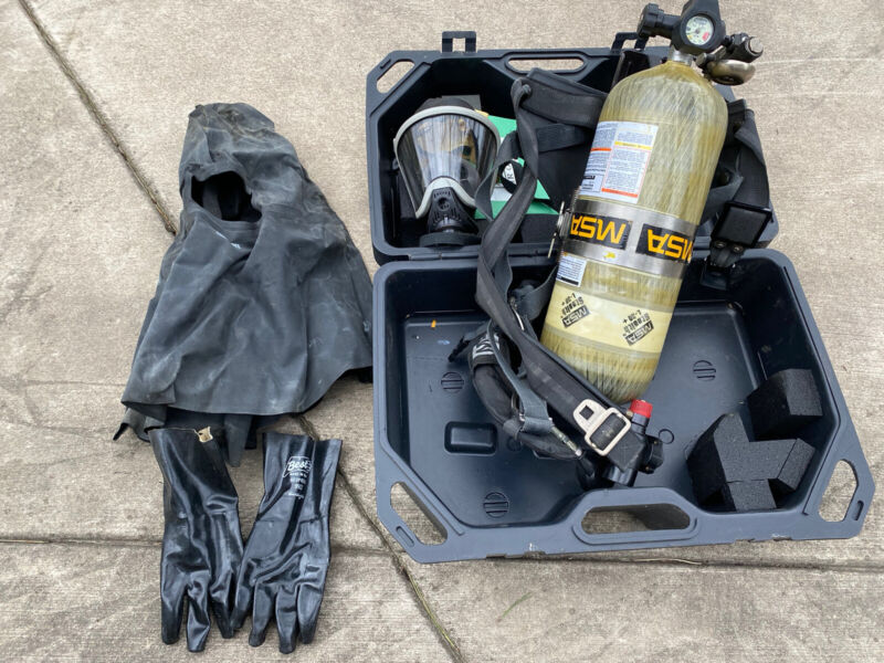 MSA STEALTH L-30 TANK AND BACKPACK AIR SUPPLY facemark, gloves, case
