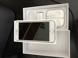 iPhone 6s 16gb Silver - Rogers w/ Case