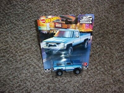 HOT WHEELS 2020 BOULEVARD 83 CHEVY SILVERADO #5 WITH REAL RIDERS