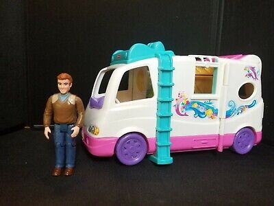 2011 Fisher Price Loving Family Dad & Beach Vacation Mobile Home RV lot Mattel