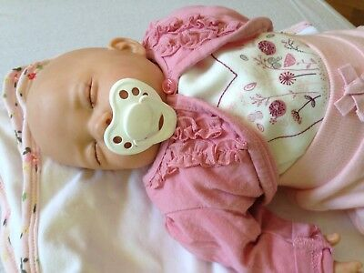 Mary Shortle ( Leeds) Used Reborn Baby Girl Doll weight 3lb. Good Condition.