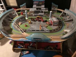 Lightning McQueen's speedway play table