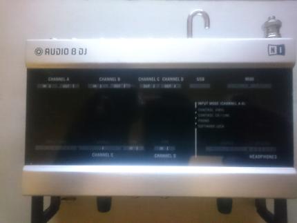 Pioneer CDJ-1000 MK3 PAIR & Traktor Scratch Pro 2 Audio 8 DJ