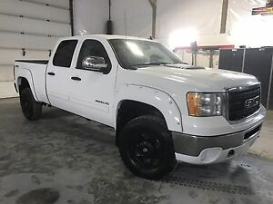 BLOW OUT!! 2012 GMC 2500 Crew, Sporty! Financing! Trades?Extras!