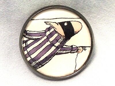"1"" Edward Gorey Illustration Dog Burglar Literary Nonsense Book Sew Button EG73"