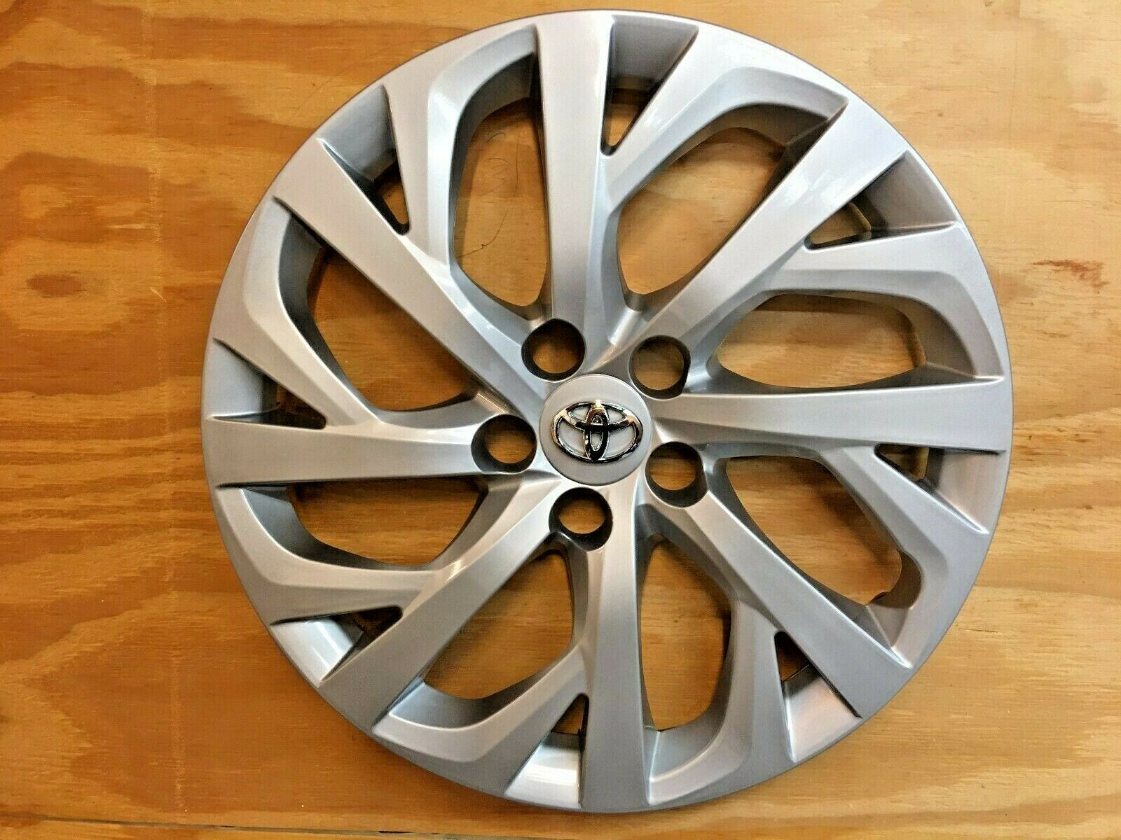 Owner 1x SILVER Hubcap will fit your 2017 2018 2019 TOYOTA COROLLA 16