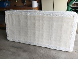 Bed box spring for a king size mattress