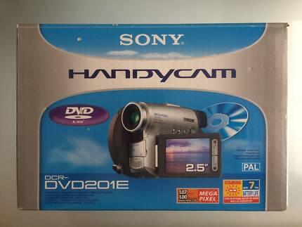 SONY DIGITAL VIDEO CAMERA RECORDER DCR-DVD201E