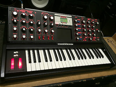 Moog Minimoog Voyager Fire Electric Red Light V3 New Limited Edition   Armens