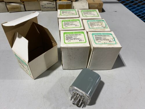 One (1) General Electric 3S7505KH501A1 Photoelectric Relay, NOS Vintage