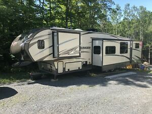 Crusader 5th wheel.  $54500 reduced 49500 for quick sale!