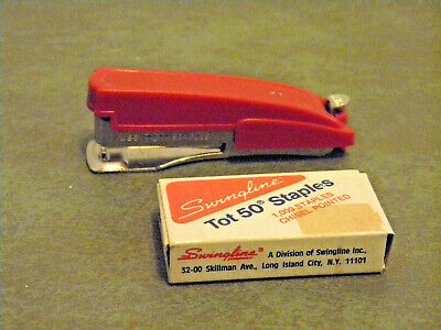 Vintage 1960s Red Swingline Tot 50 Mini Stapler With Full Box Of Staples Works