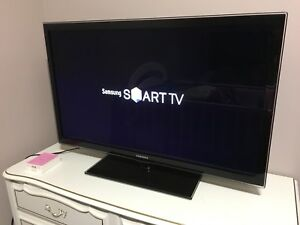 "Samsung 40"" Smart TV !!!"