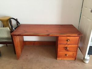 Wooden desk - good condition! Southport Gold Coast City Preview