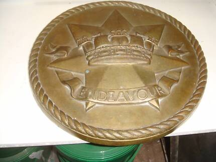 VINTAGE ENDEAVOUR PLATE  BRASS PLATE HEAVY AND SOLID