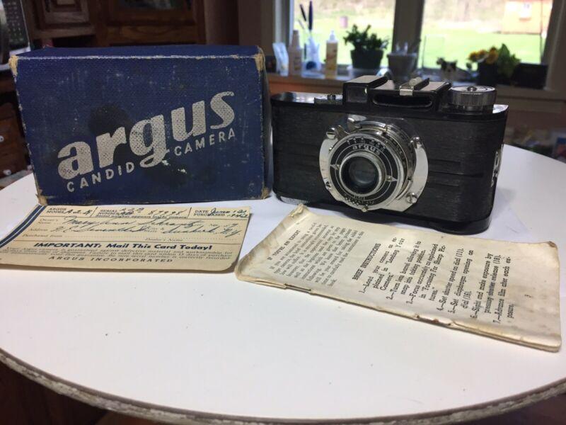 Vintage 1940's Argus Candid Camera Model A2B W/ Box
