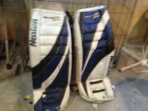 Heaton 31' goalie pads amazing condition