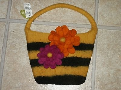 Midwest Tote - NWT Midwest CBK Wool Bag Purse Handbag Bumble Bee & Floral Design