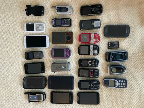 Lot of 25 Cell Phones