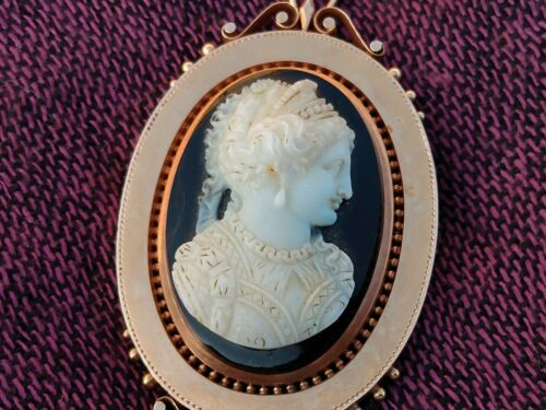WOW! ANTIQUE SOLID 10KT GOLD CAMEO PENDANT/ BROOCH WOW!