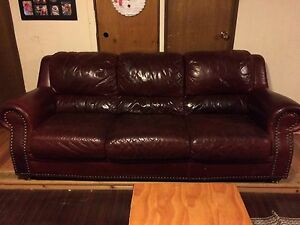 Burgundy leather couch- BEST OFFER Cambridge Kitchener Area image 1
