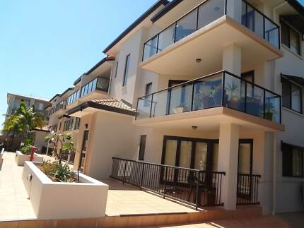 AIR CONDITIONED  U/F CBD  MODERN COMPLEX yet low rent Southport Gold Coast City Preview