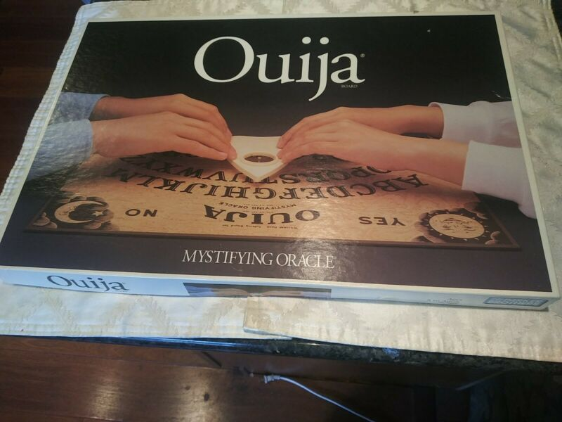 QUIJA Board Game 1992 Complete With Box Parker Brothers vintage 90s