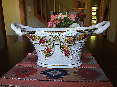 ROYAL ALBERT OLD COUNTRY ROSES BASKET-WEAVE CENTERPIECE BOWL HANDLES & BOWL