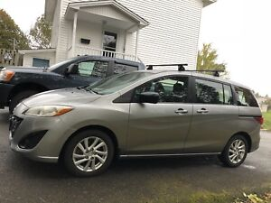 2012 mazda 5 auto,ac,220000highwayklms;new mvi;4495.00