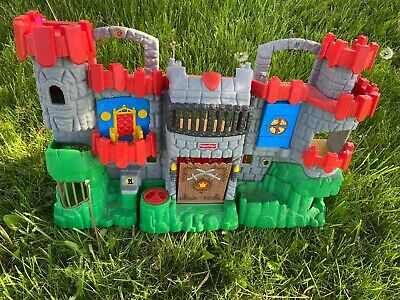 Fisher Price Imaginext Great Adventures Fold & Carry Castle Playset 2005. Works