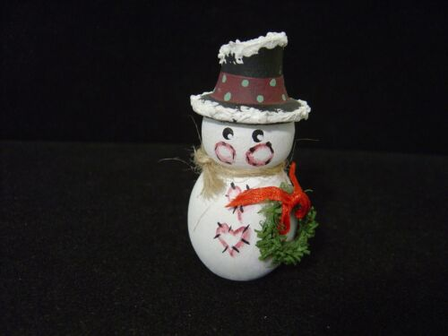 VINTAGE HAND PAINTED AND CRAFTED SMALL WOODEN SNOWMAN FIGURINE SIGNED