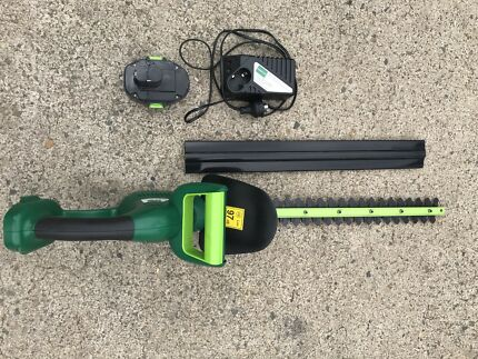 HEDGE TRIMMER CORDLESS ( LONG BLABE )