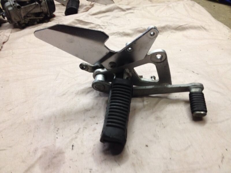 Suzuki Gs500E Front Right Side Peg/Hanger & Brake Lever From A 1996 Model