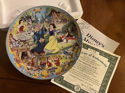 Bradford Exchange Plate Disney's Musical Memories The Fairest One of All #1