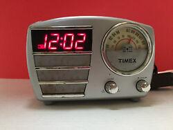Vintage Silver Timex Alarm Clock AM/FM Radio. T247S
