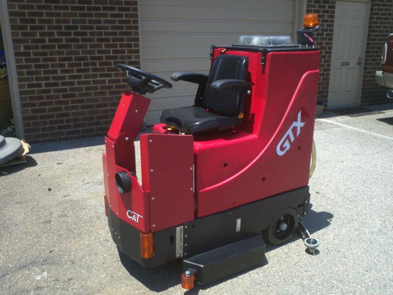 "Factory Cat GTX 34D Rider floor scrubber 34"" disk  under 1000 Hours"