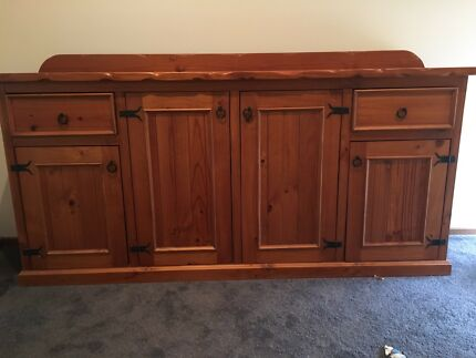 solid pine buffet cabinet sideboard in great condition