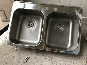 Stainless Steel Kitchen Sink and Pull Out Faucet