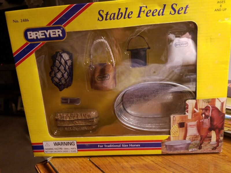 Breyer Horses - Stable Feed Set - Traditional Size #2486