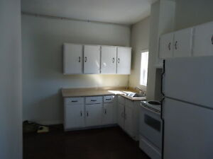 NO STAIRS - 1 BEDROOM, CHURCH AVE. - SUSSEX