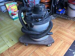 Vacuum cleaner very strong in perfect working condition Benowa Gold Coast City Preview