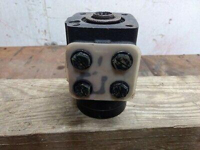 Char Lynn Eaton Orbitrol Steering Control Unit Was Marked Good Used 2111009001