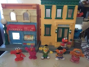 Sesame Street Playset with 8 figures