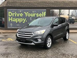 2017 Ford Escape SE / 4X4 /2.0L ECOBOOST/HEATED SEATS