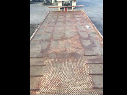 Plant/machinery beavertail trailer Eppalock Bendigo Surrounds Preview