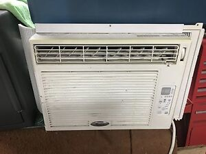 Sell air conditioner with remote read ad