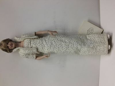 Franklin Mint Diana Princess of Wales Porcelain Portrait Doll White Pearl Dress