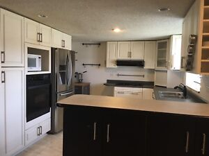Large 2 bedroom apartment in duplex  available November 1st.