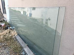 Railing glass. Thick and tempered